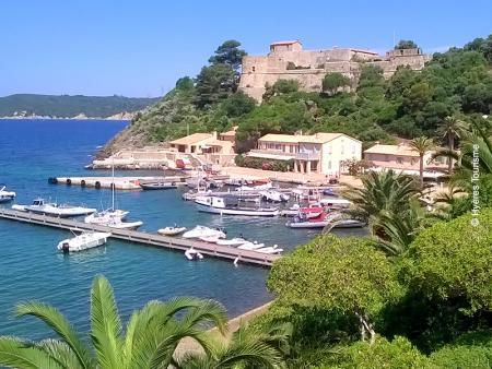 Port Cros, la petite sœur de l'archipel des îles d'Hyères